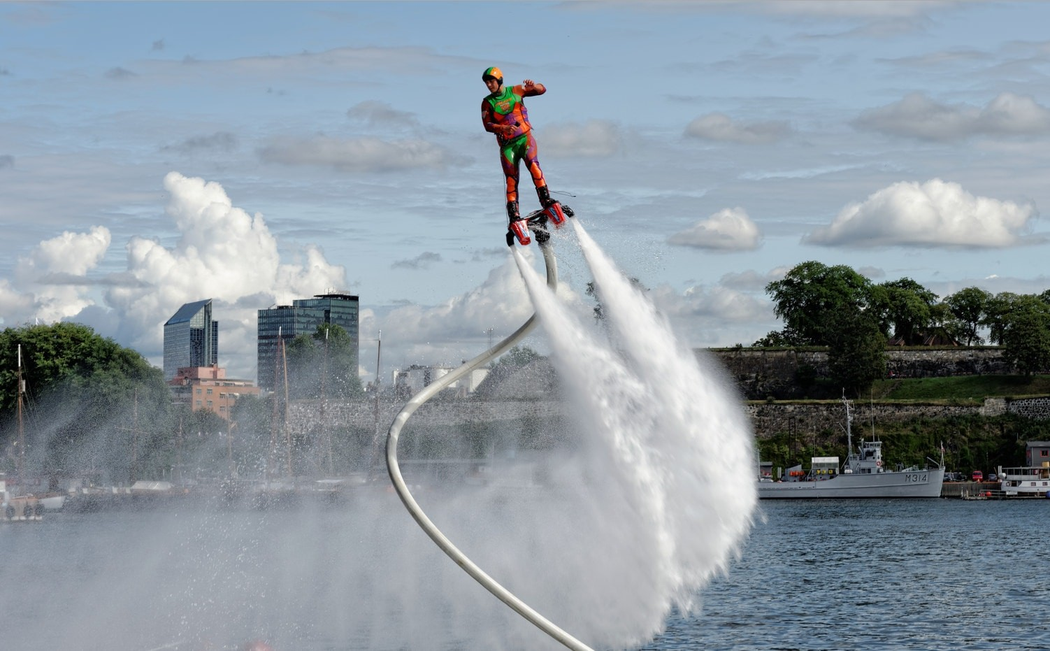 flyboard-ewolucje-na-wodzie-konin